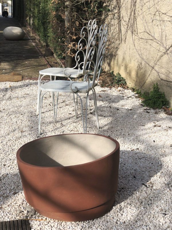 Elegant Wrought iron outdoor chair